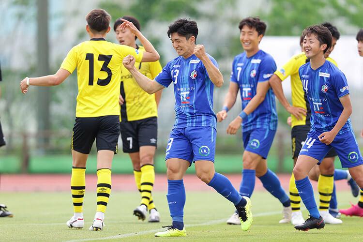 JFLリーグ、FCティアモ枚方の新井晴樹(匠建枚方所属)が、6月5日の試合で豪快なミドルシュートを決めました!!