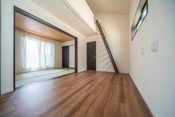 大阪(枚方市)の注文住宅 ロフトのある洋室と2階和室は続きま