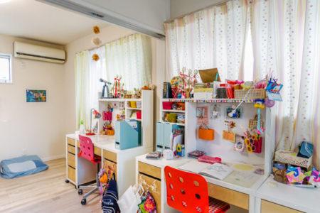 子供部屋は約5帖×2室で、つなげると10帖のお部屋になります。