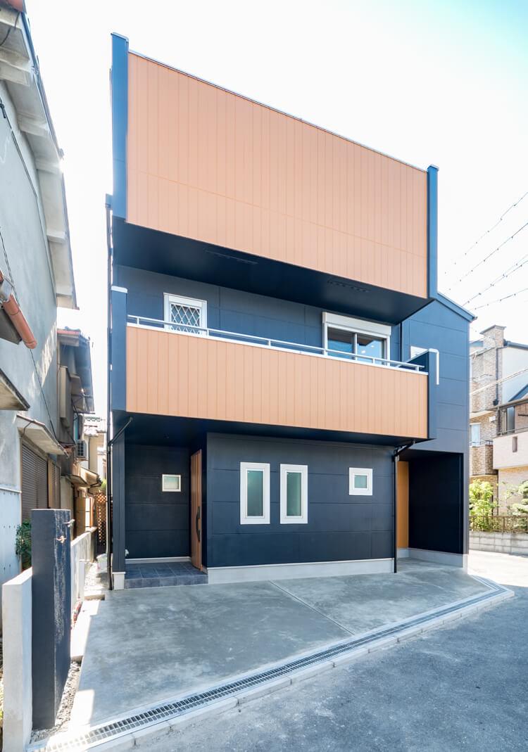 大阪S邸 – シンプルモダンの男前3階建て住宅