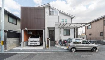 京都T邸 - 露天風呂とビルトインガレージのある家