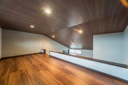 第二の個室、ロフトは約5帖。物置としても趣味室としてもお使いいただけます。