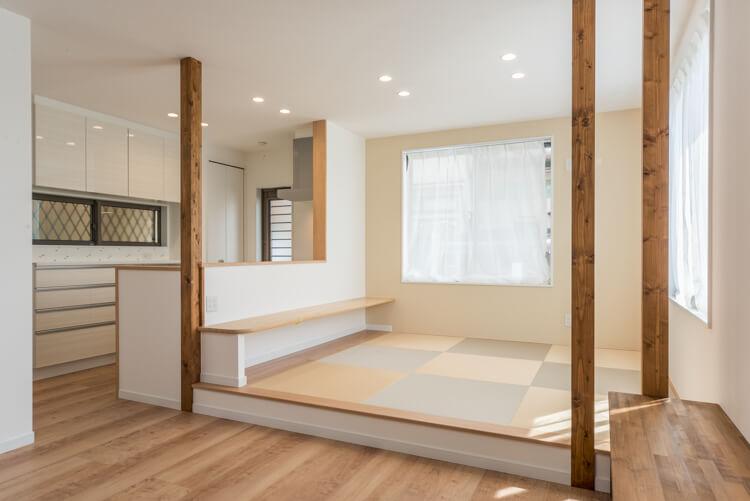 京都S邸 – キッチン前に和ダイニング クロス使いが魅力の家