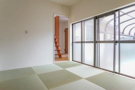 和室の畳を琉球調畳敷に