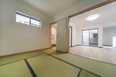 和室は玄関ホールからとLDKからの2WAY アクセス。