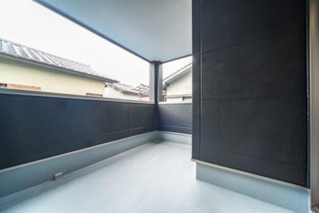 インナーバルコニーは「寝室から」「2階ホールから」どちらからも出入り可能!