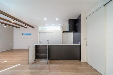 キッチンは、パナソニックのオープンキッチン(Living Station L-CLASS)