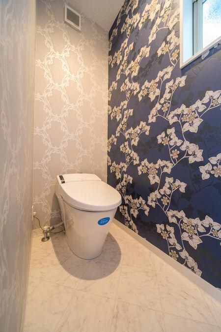トイレはエレガントなイメージで格式高い空間を演出