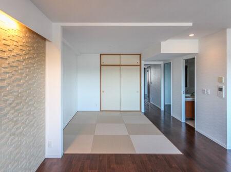 リビングと和室の壁と襖を撤去しました。