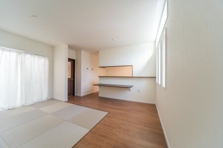 LDKの一角に6帖の畳コーナーを床面と同レベルに設置