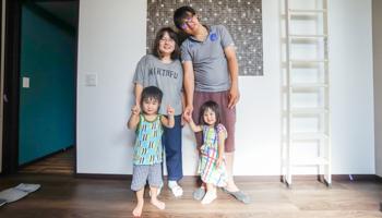 長岡京市の注文住宅 ご家族で記念撮影